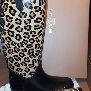 Super cute rain boots